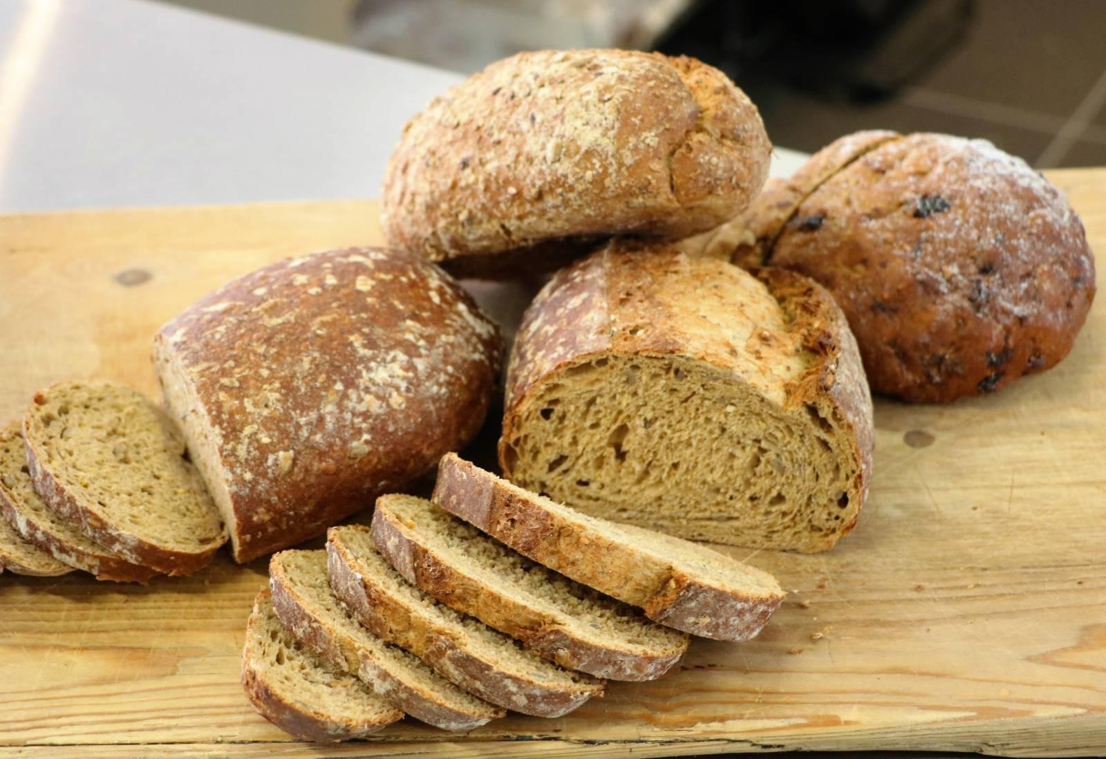 Ambacht brood en hartig.